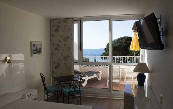 Double room – Sea view – Large terrace