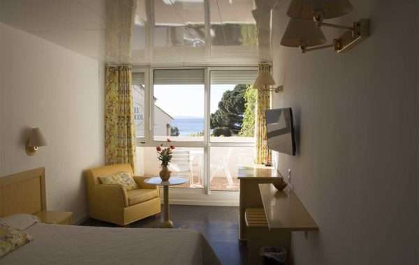 Large room – Sea view – Balcony